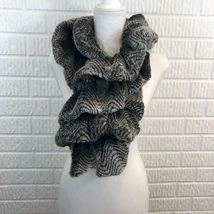 Faux fur gray scarf